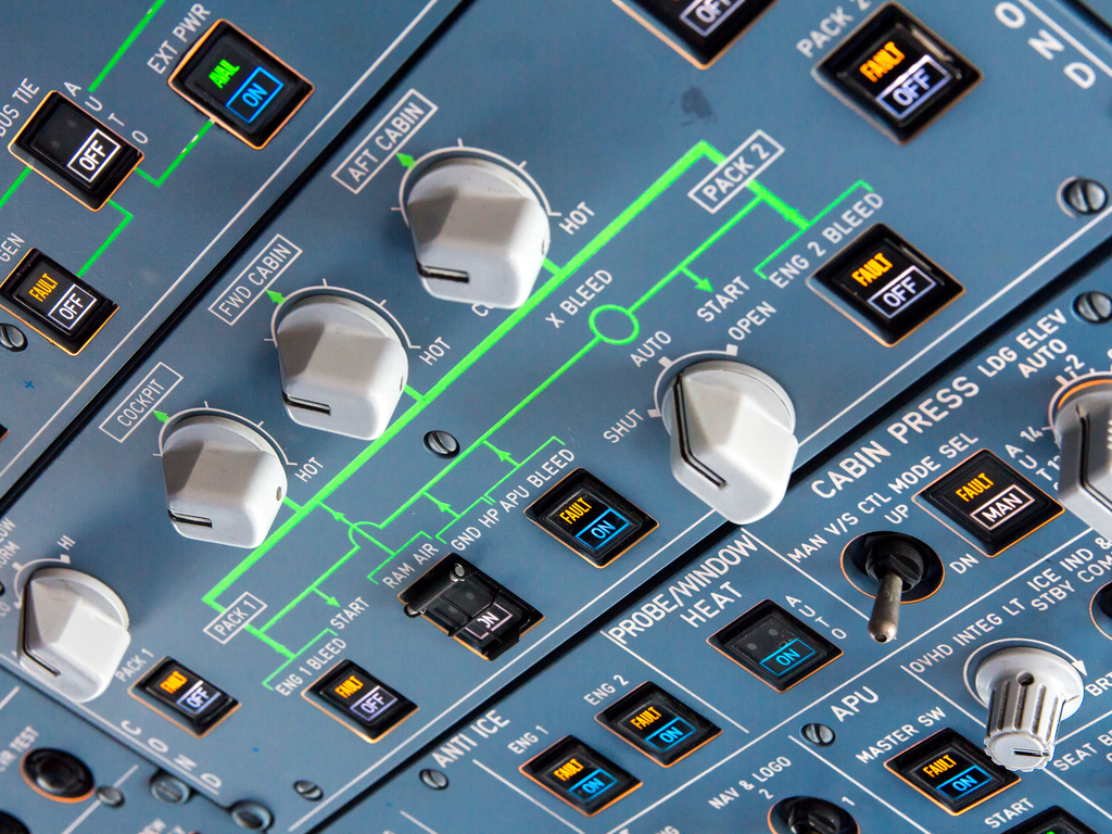 IM Aircraft Knobs And Switches